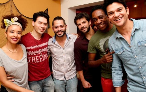 Gustavo Taboza (Mister Pará 2014), os atores Duda Nagle (Zeca de Caminho das índias) e Maria Bia (Soraya de Sexo e as Negas), Maurício Xavier (Marcassa de Pé na Cova), e Fernando Cursino (Memórias de um gigolô)