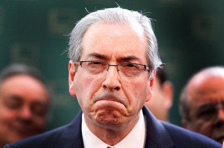 EDUARDO CUNHA AFASTADO DO MANDATO DE DEPUTADO FEDERAL